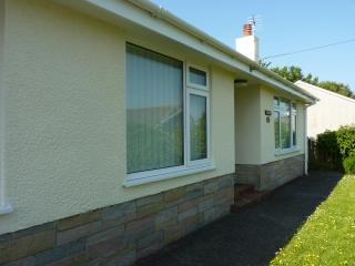 3 bedroom Bungalow with Internet Access in Simpson Cross - Simpson Cross vacation rentals