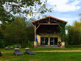 A Lakefront Cottage at LaTourGites - Creon-d'Armagnac vacation rentals