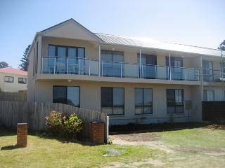 Comfortable 3 bedroom Port Fairy Condo with Dishwasher - Port Fairy vacation rentals