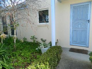 Beautiful Condo with Dishwasher and Balcony - Port Fairy vacation rentals