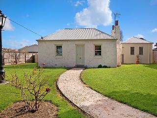 4 bedroom House with Dishwasher in Port Fairy - Port Fairy vacation rentals