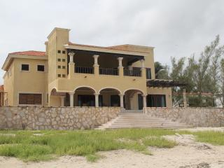 Extraorinary Casona Progreso, 1 mile from Malecon - Yucatan vacation rentals