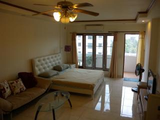 Cozy studio with all you need, pool, near river & - Chiang Mai vacation rentals