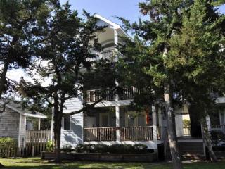 IR33: Boyette Condo Penthouse 2F - Ocracoke vacation rentals