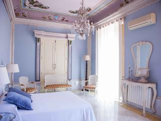 Magnificent House in the center of Valencia   Magnifica Casa en el Centro de Valencia - Valencia vacation rentals