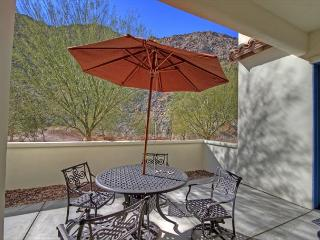 Gorgeous House with A/C and Shared Outdoor Pool in La Quinta - La Quinta vacation rentals