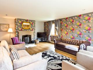 Beautifully Presented and short walk to Bakewell - Bakewell vacation rentals