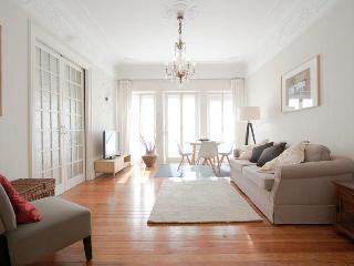 3 bedroom Apartment with Internet Access in San Sebastian - San Sebastian vacation rentals