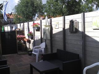Chalet (att. to main building) with own entrance - Oostkapelle vacation rentals