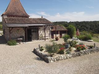 Bright 1 bedroom Gite in Duras - Duras vacation rentals