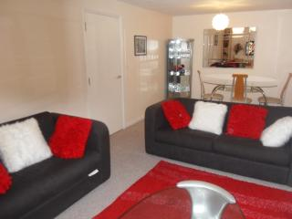 Beautiful 2 bed Apartment in Abbeywood, London - London vacation rentals