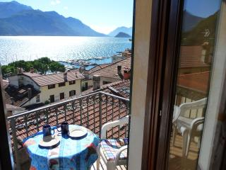 Cozy 2 bedroom Menaggio Apartment with Internet Access - Menaggio vacation rentals