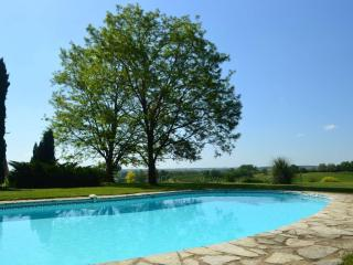 B&B and Gite near Duras, Lot et Garronne - Baleyssagues vacation rentals