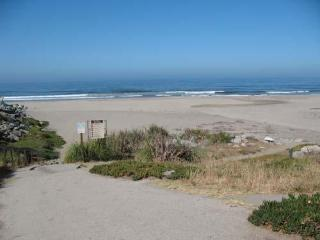 646/Hidden Beach House*WALK TO BEACH/ PARK* - Santa Cruz vacation rentals