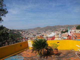 Casa Del Pozo Lovely Room 8 Mins Fr/ Teatro Juarez - Guanajuato vacation rentals