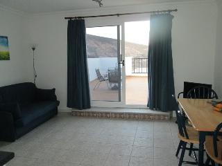 Rural apartment in a lovely setting - beach nearby - Arrieta vacation rentals