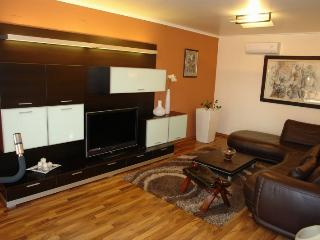 Nice 3 bedroom House in Selce - Selce vacation rentals