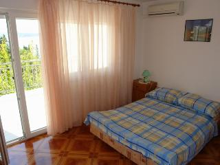 Cozy 2 bedroom House in Selce - Selce vacation rentals