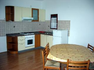 Lovely 2 bedroom House in Pag - Pag vacation rentals