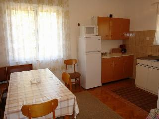 Cozy 3 bedroom House in Selce - Selce vacation rentals