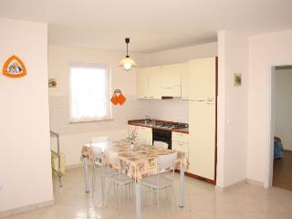 LAURINO(742-2176) - Funtana vacation rentals
