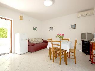 Romantic 1 bedroom House in Malinska - Malinska vacation rentals