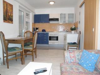 Bright 2 bedroom House in Silo - Silo vacation rentals