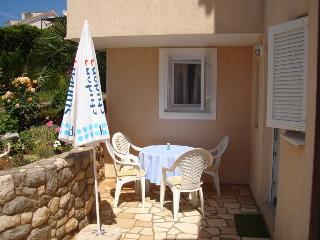 Nice 1 bedroom House in Malinska - Malinska vacation rentals