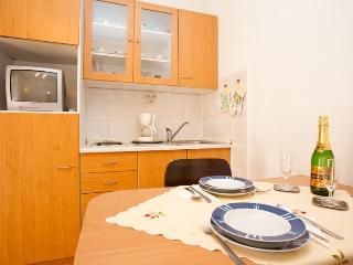 Stepusin Katica(927-2029) - Baska vacation rentals