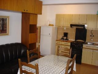 GRSKOVIC Z set(945-2093) - Silo vacation rentals
