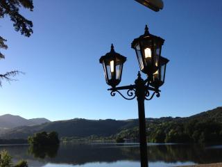 Studio Economique - Vue sur le Lac Chambon - Volca - Auvergne vacation rentals
