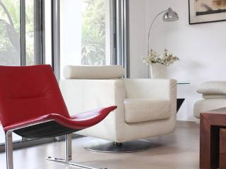 Large garden apartment - Herzlia vacation rentals