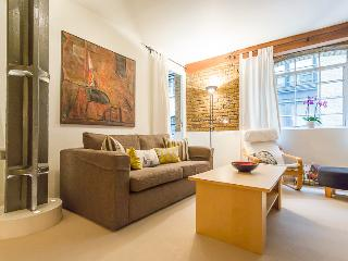 Eagle Wharf, pro-managed - London vacation rentals