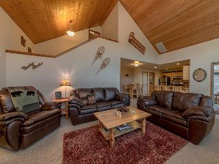 *Specials* Fantastic Newer Cabin in Roslyn Ridge!  3BR | Hot Tub | WiFi - Ronald vacation rentals