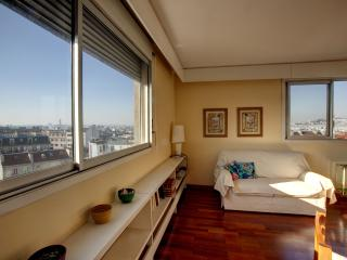 Vicq D'Azir - 2475 - Paris - 10th Arrondissement Enclos-St-Laurent vacation rentals