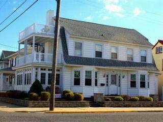 Bright 6 bedroom House in Ocean City with Deck - Ocean City vacation rentals