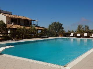 Villa Tenute Aversa con piscina - Castellammare del Golfo vacation rentals