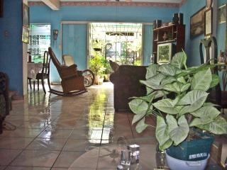 Comfortable 3 bedroom San Salvador Bed and Breakfast with Internet Access - San Salvador vacation rentals