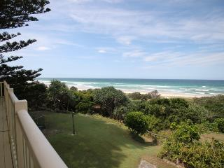 Lovely 3 bedroom Hastings Point House with DVD Player - Hastings Point vacation rentals