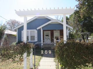 209 W. Centre Short drive to Main Street - Fredericksburg vacation rentals