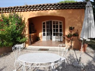 Romantic 1 bedroom Bed and Breakfast in Saint-Marc-Jaumegarde - Saint-Marc-Jaumegarde vacation rentals