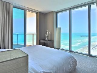 Solé - 2 bedroom apartment directly on the beach - Sunny Isles Beach vacation rentals