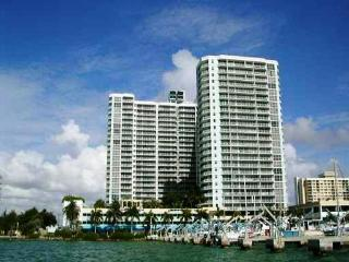 Beautiful Apt 2/2 Furnished 1000ft - North Bay Village vacation rentals