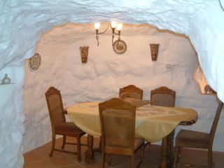 Pico Piedras cave house zujar. - Zujar vacation rentals