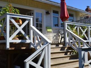 Cozy 1 bedroom Cottage in Fairfield - Vancouver Island vacation rentals