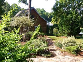 Lovely Cabin in the Rural South - Tifton vacation rentals