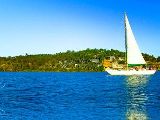 Cozy Apartment in Whitsunday Islands with Dishwasher, sleeps 8 - Whitsunday Islands vacation rentals