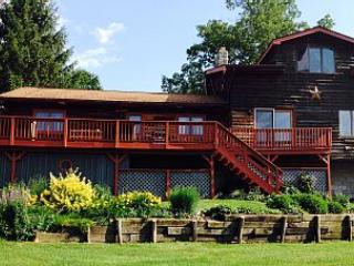 Cozy House with Deck and Internet Access - Cornwallville vacation rentals