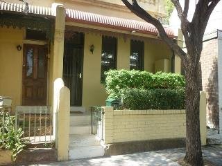 BAL39 - Chic 2 Bedroom Fully Furnished Terrace - Sydney vacation rentals