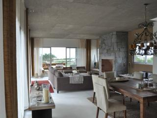 Beautiful 4 Bedroom House Located in Jose Ignacio - Manantiales vacation rentals